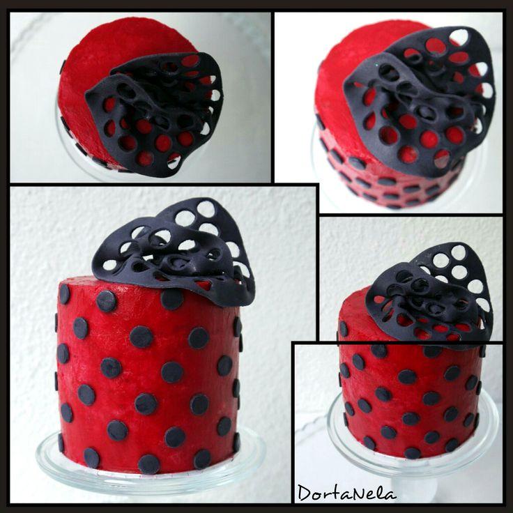 CREAMY CAKE WITH POLKA DOTS (Krémový dort s puntíky)