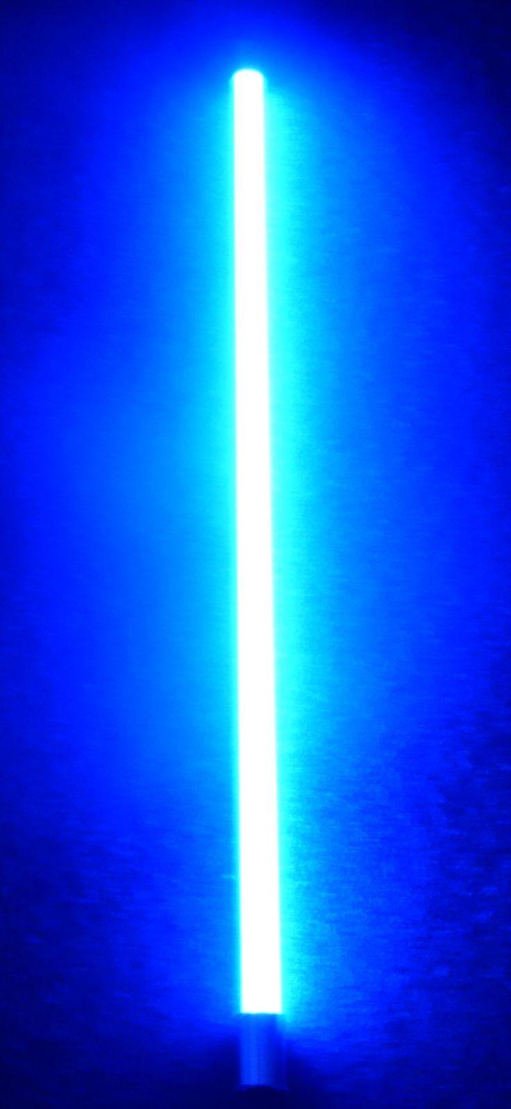 LED Armatur 1,20m LED Röhre 18 Watt 1800 Lm blau.Jetzt NEU Farbige LED Röhren im Kunststoffrohr als Leuchtstab für viele Gelegenheiten. Energiesparende LED Röhre T8 mit Länge 1,20m und 1,45m Anschluss Kabel mit Eurostecker schwarz. Diese LED hat 18 Watt und 1800 Lumen. Damit sparen Sie ca. 50% der Stromkosten.  Technische Daten LED Röhre: - Anschluss: 230V/50Hz - Sockel: T8 - Lichtstärke: 1800 Lumen - Verbrauch: 18 Watt  - Farb-Temperatur: 6500 Kelvin