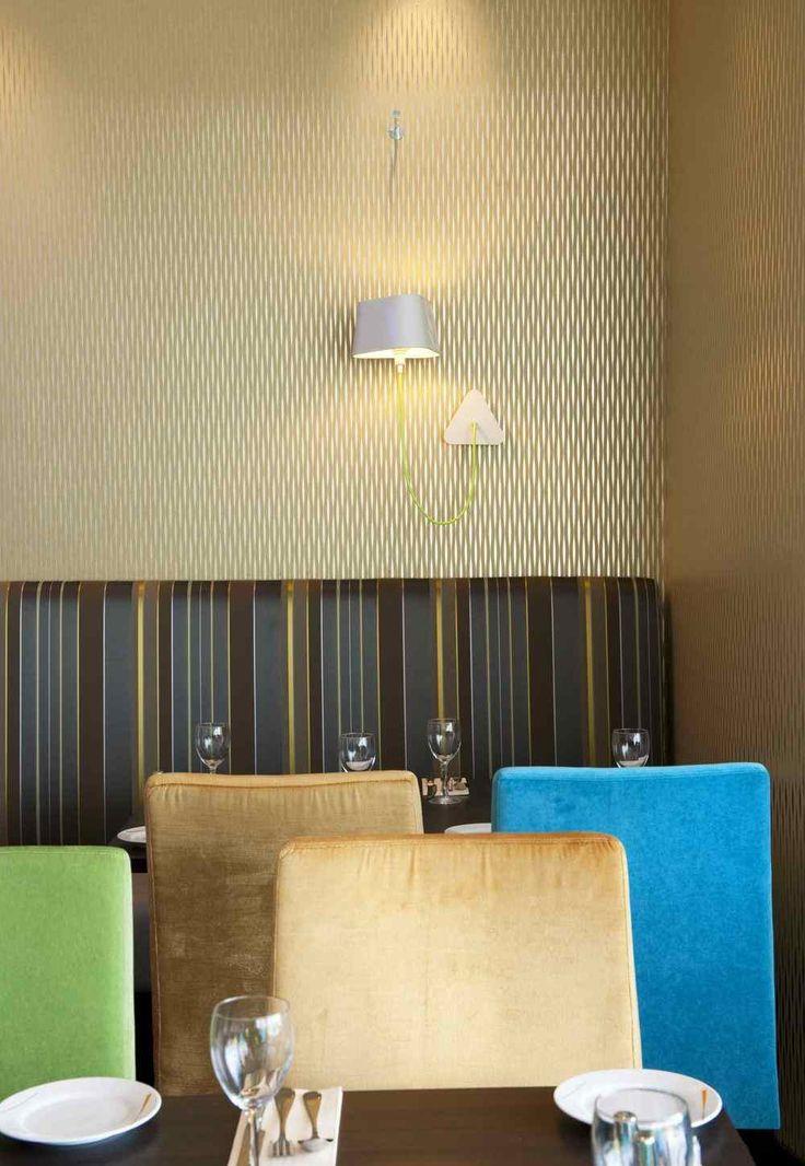 Golden wallpaper. Interior architecture | Ramsoskar