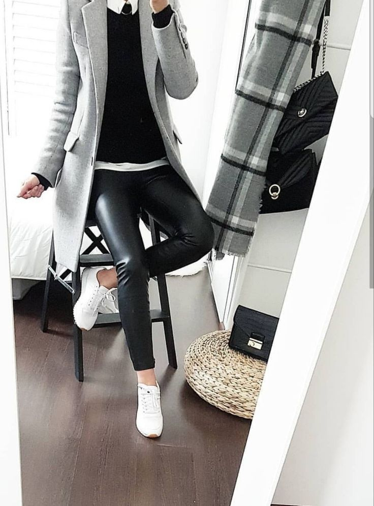 Schwarzes Leder weiße Arbeit – Casuel-Style