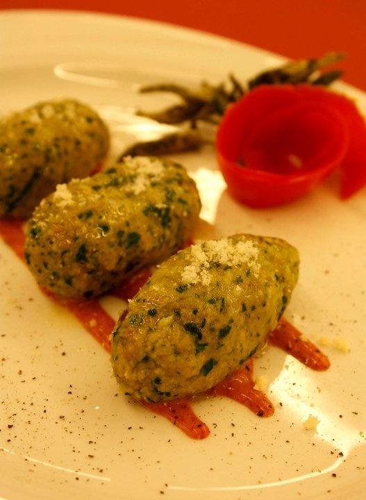 """""""Gnocchi di pane e rucola"""" - Trentino - http://www.visittrentino.it/it/cosa_fare/risultati?st=Ricette=ricette"""