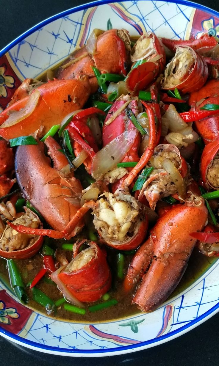 Live lobster prices have been really good recently so I bought three and made Lobster with Garlic, Ginger and Black Beans. ...