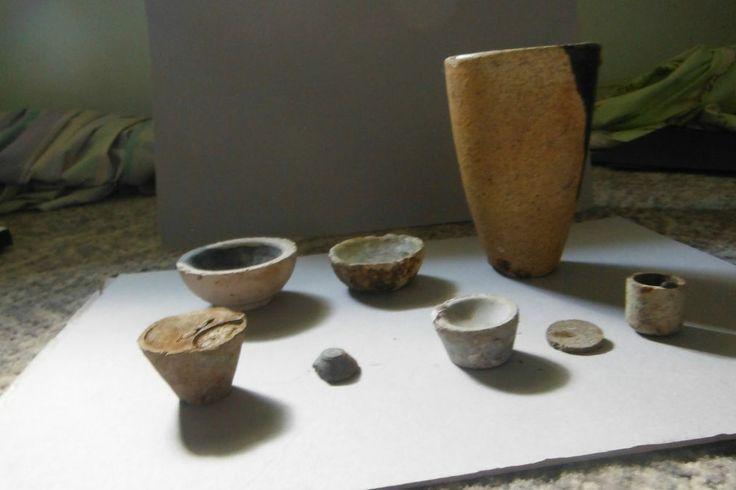 Rare Stoneware  CrucibleC1895 BatterseasWorks dishs, small cuplets AssayIngot