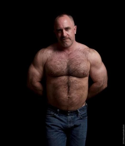 foot-hairy-muscle-daddy