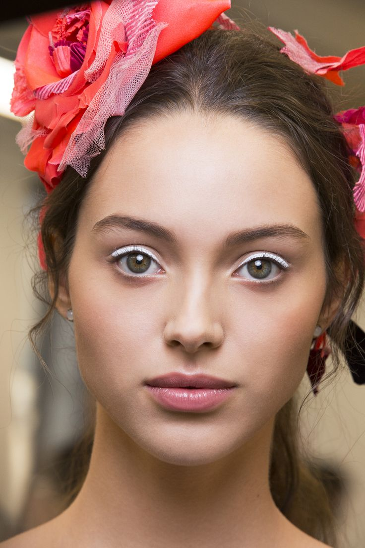 Seven simple steps to absolute perfection.  We all want to look as pretty as possible. Here's how to do it in a flash.  Perfect skin, gorgeous makeup. It can be done and better still, it can be done fast.  #beauty #skin #makeup #flawless
