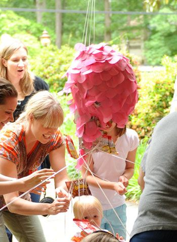 DIY pull-string piñata, love this idea for younger kids as opposed to a bat/wooden stick