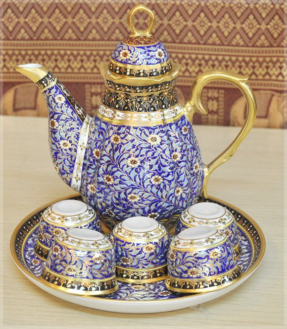 Tea set : blue color