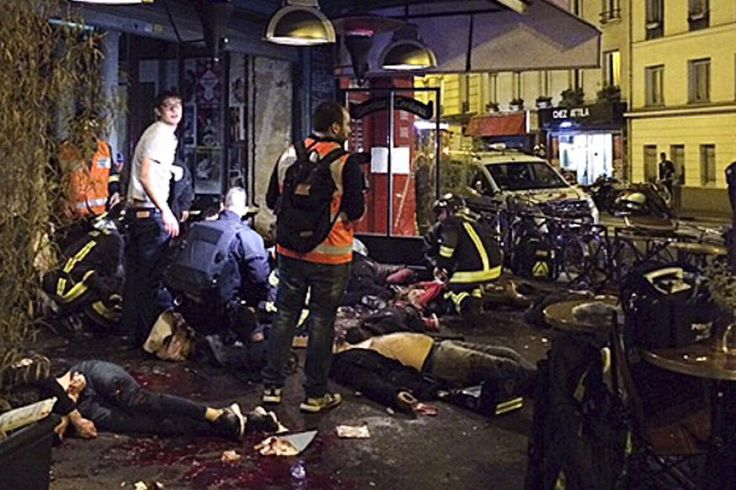 World reacts in shock, solidarity after over 100 killed in Paris terror attacks