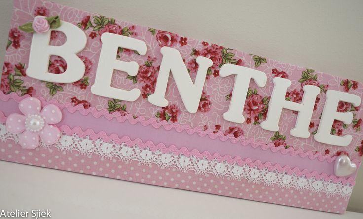 Gepersonaliseerd naambordje voor aan de slaapkamerdeur. #naambord #kinderkamer #meisje