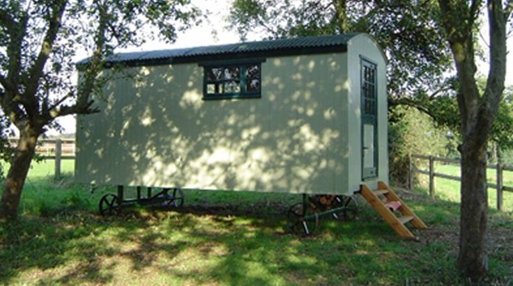 Shepherd Hut Holiday B – Oxfordshire