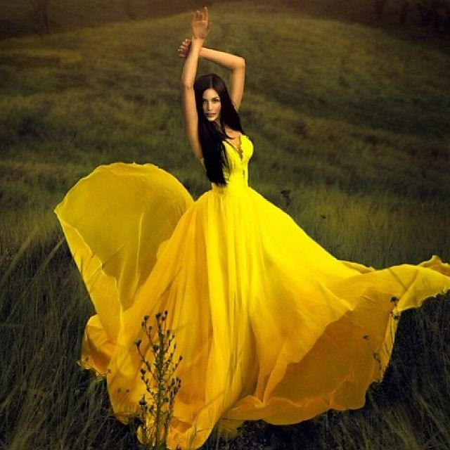 loud yellow gown.  I wish I had the skin tone to pull this off. Get2Style.com.