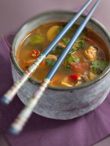 Soupe thaïlandaise aux crevettes (Tom Yam Goong) - Recette de cuisine Marmiton : une recette