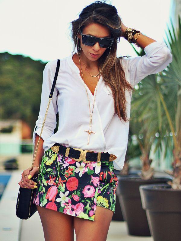 Look do dia com camisa feminina branca e Short Assimetrico estampado