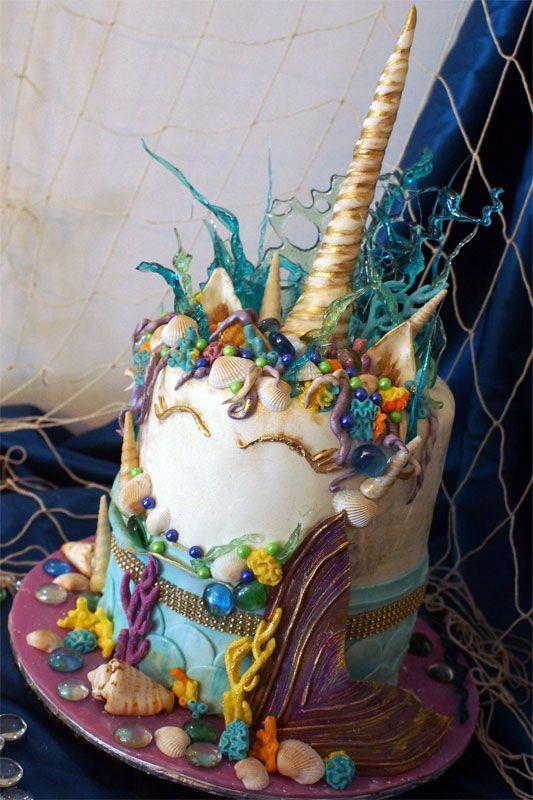 Mermaids & unicorns cake