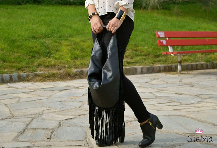 Leather bag with fringes