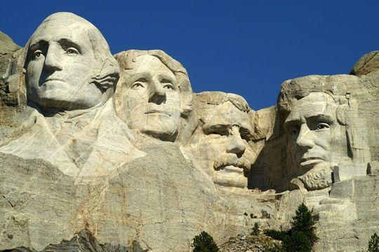 Los cuatro presidentes del monte Rushmore en los Estados Unidos
