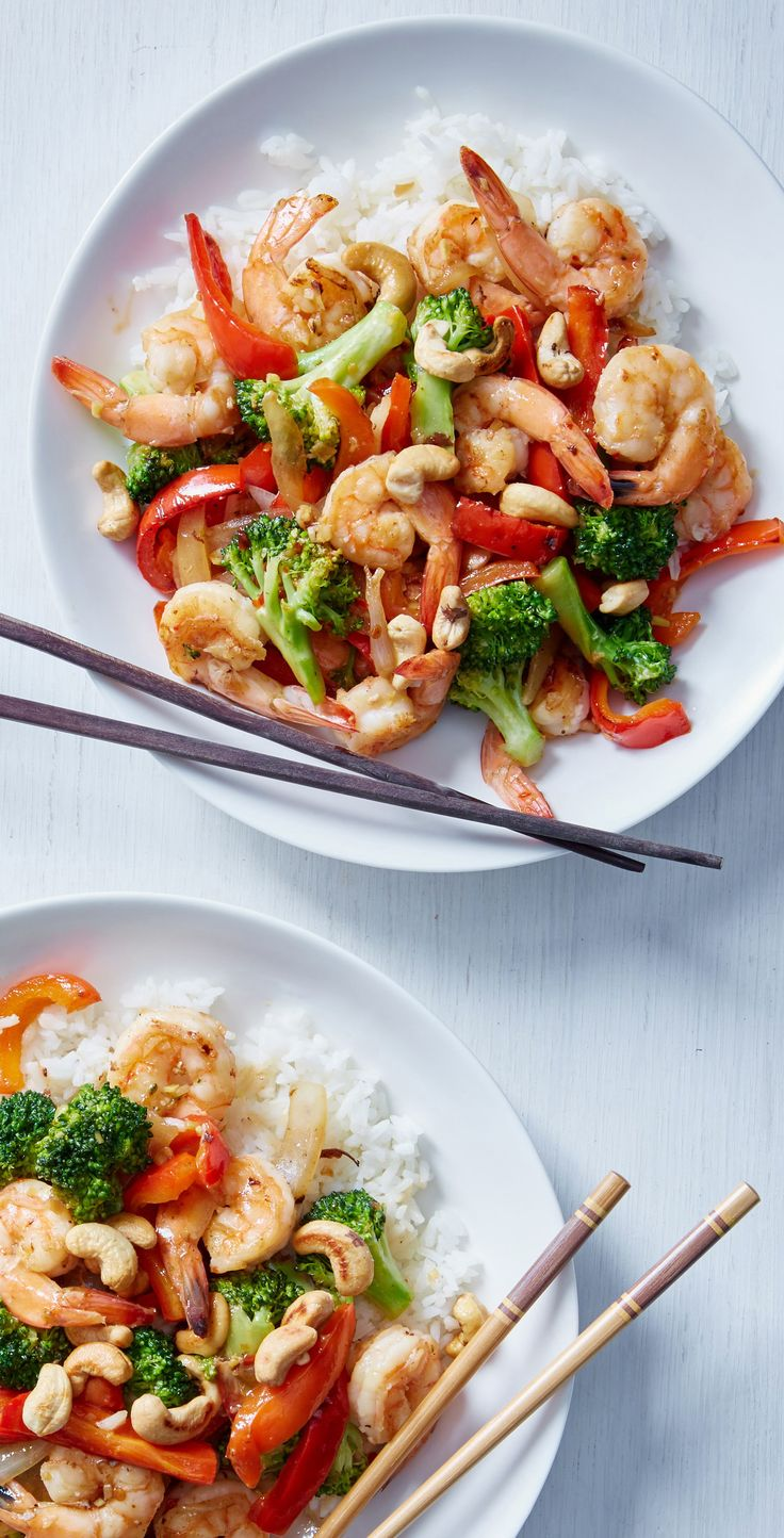 This shrimp and broccoli stir-fry is a quick and healthy version of your favorite delivery food! Wholesome ingredients and a 20-minute prep time will have you tossing your take-out menus in no time. Sign up for Martha & Marley Spoon to get delicious recipes and fresh ingredients delivered to you each week!