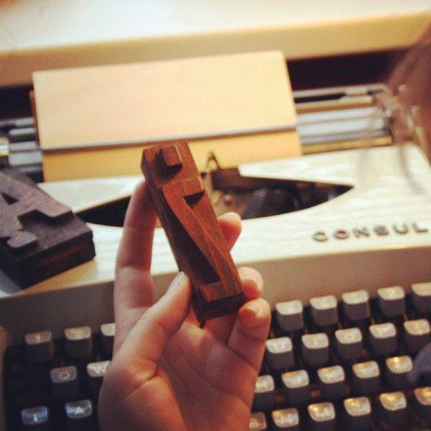 #letterpress #typography #jewelry #brzydko #vintage #wood #retro #type #style #accessories #typewriter