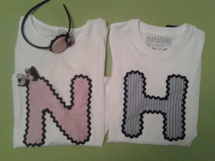 Camisetas con iniciales, tanto para chico y para chica.