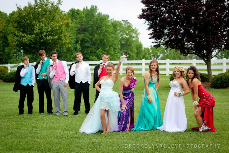 #prom photo ideas #promgroup