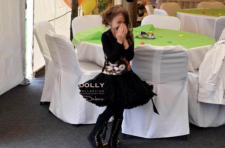 Dress like little Audrey, so so stylish little girl :)