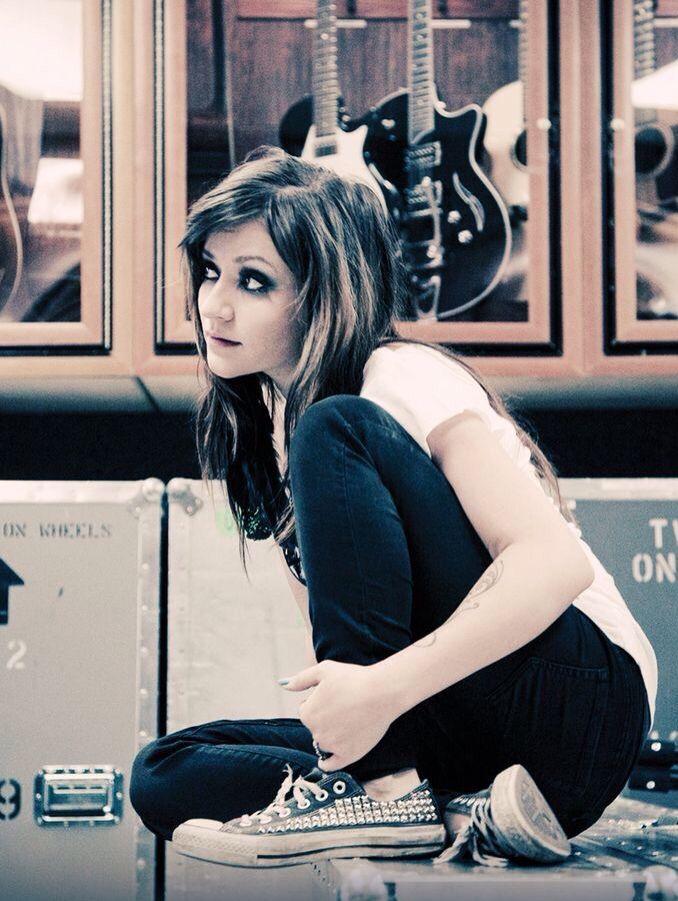 Lacey Sturm/ Flyleaf Hottopic Lovesick photoshoot