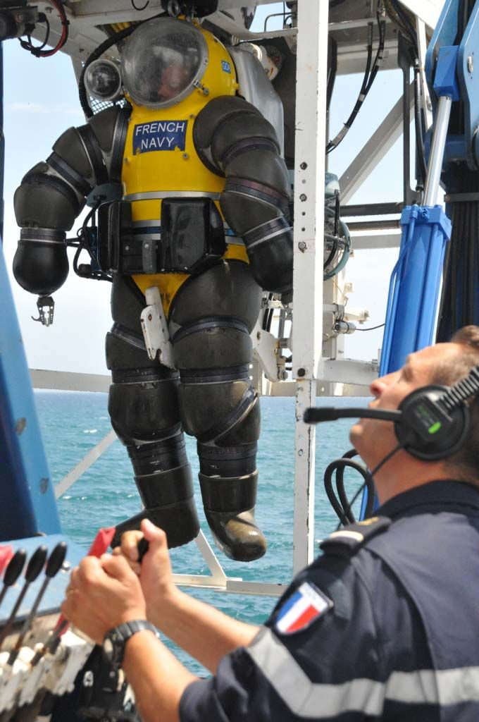 29 Best Images About Dive Support Vessels Dsv On Pinterest Super Yachts Yacht For Sale And