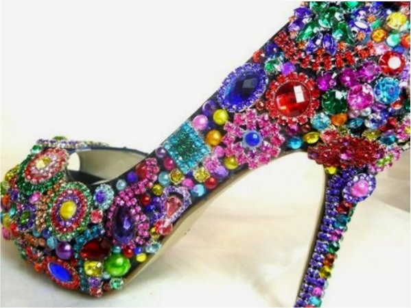 I could so easily make these with all the jewelry making crystals & beads I have in my craft cabinet out of my older chinese laundry heels I've scuffed up. IDEAS!!