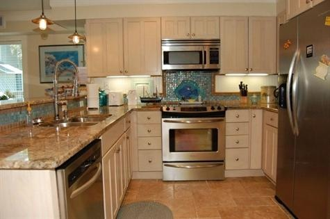 1000 ideas about florida condo decorating on pinterest for Beach condo kitchen ideas