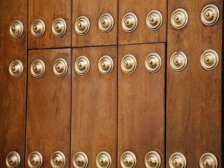 Tres formas diferentes de aplicar barniz en la madera