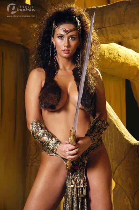 Hot nude curvey women