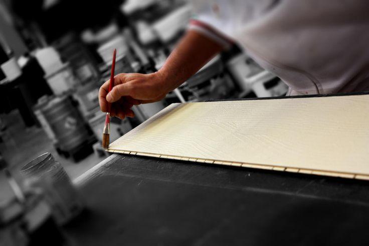 La lavorazione di #Rektina è un processo operato da artigiani italiani che danno la garanzia di un prodotto di qualità e unicità