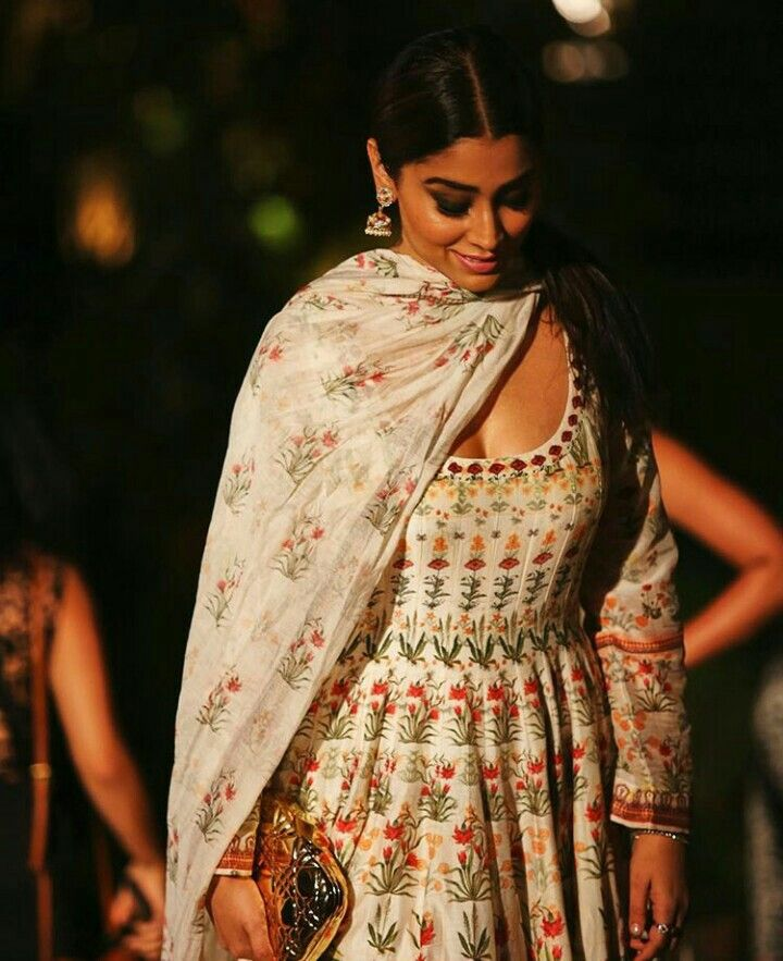 Handwoven Chanderi Mul anarkali inspired by mystical forests at Lakmé Fashion Week #anitadongre