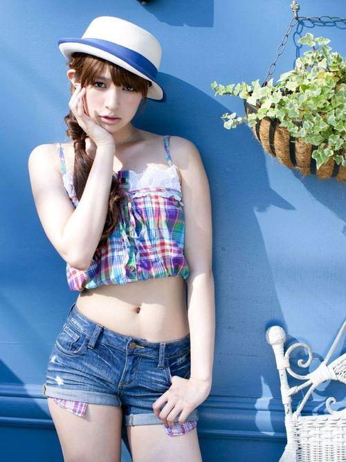 ki-oon:  ホットパンツのムチムチ且つエロい脚の女の画像が集まる魔法のスレ: 半角ピンクエログ