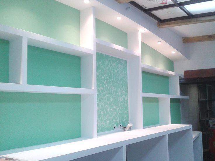 Mueble de pladur, realizado con placa de trillaje, perfilería especifica y guardavivos protectores. +info: http://www.gusolin.es/