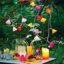 Весенняя садовая гирлянда