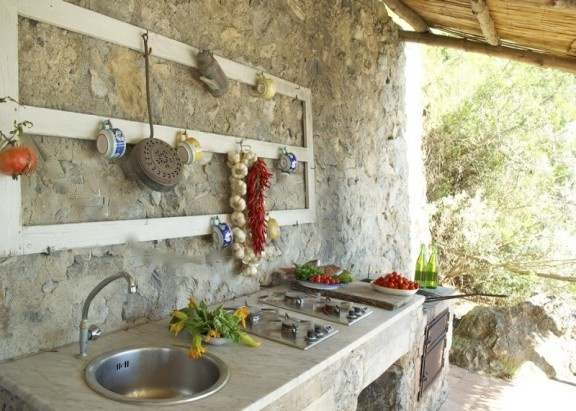 Villa Moderna, Maiori ...this is the kind of outdoor kitchen I want!
