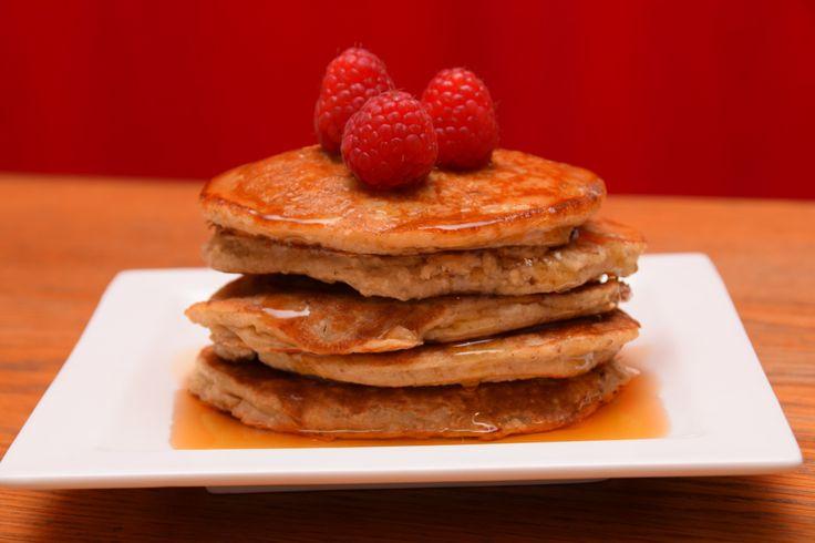 Ditmaak ik zelf graagin het weekend. Het is makkelijk, snel klaar en lekker! Ingrediënten Voor 6 pancakes 1 ei 1 banaan 100 ml rijstmelk 75 gram havermout Heb je geen rijstmelk in huis? Geen prob…
