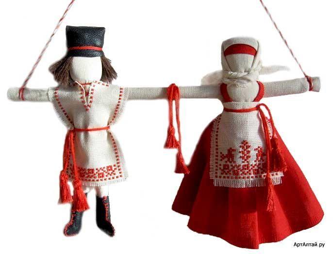 Неразлучники – свадебный подарок, символ крепкой семьи. Оберег состоял из двух кукол соединенных между собой. У женской и мужской фигуры была общая рука, символизирующая брачный союз. Куколка делалась из одного неделимого куска ткани, а рука из палочки. Неразлучник был символом совместной жизни молодых – после свадьбы они все делят поровну, все заботы и радости становятся общими. С появлением детей парочка раздвигалась в стороны и на общее плечо усаживались детки