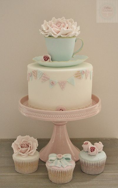 Edible Teacup & Saucer cake