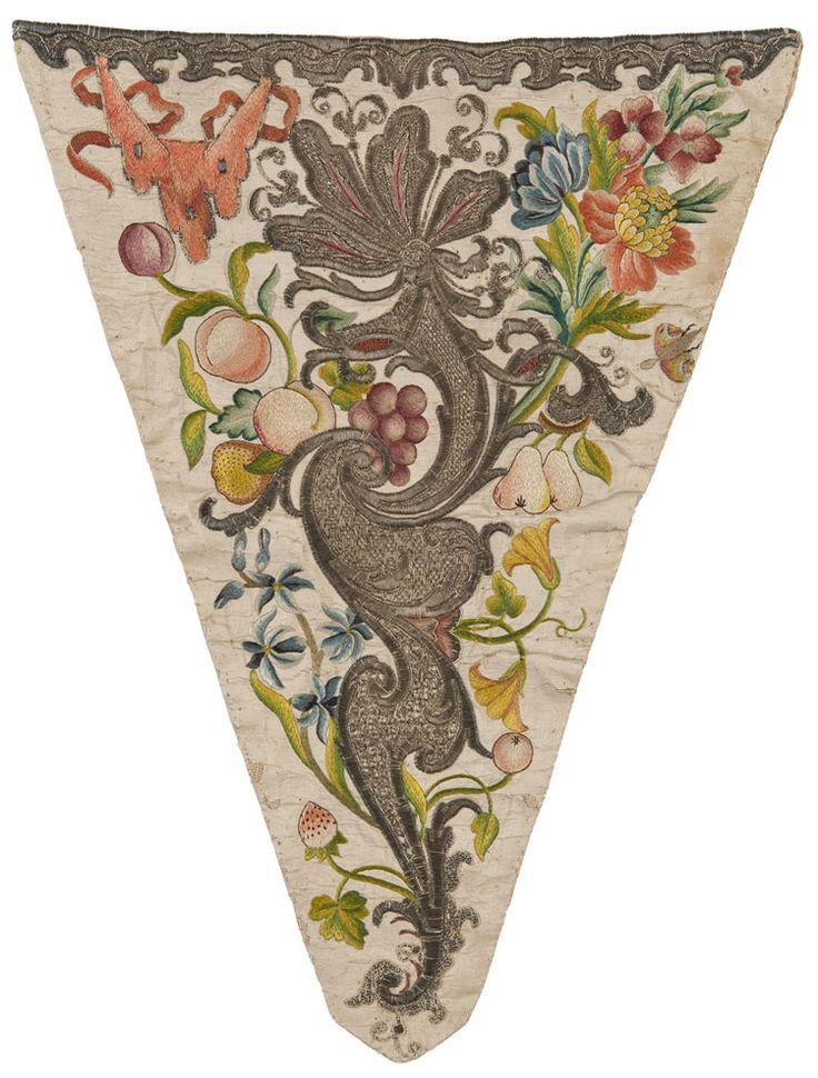Pièce d'estomac, France, vers 1740  Taffetas, broderie de soie au passé empiétant, filé argent au point couché