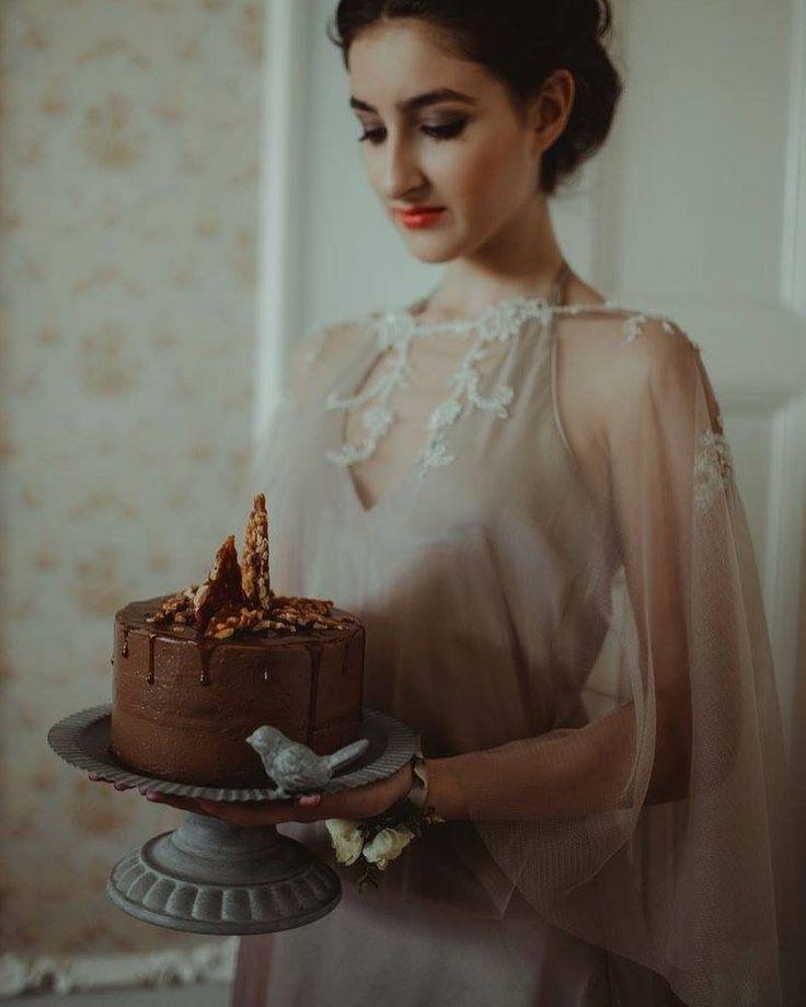 """54 kedvelés, 1 hozzászólás – Fanni Bisztriczky (@bfanni) Instagram-hozzászólása: """"YLKA wedding memories inspirational styled shoot in colors of latte & rose gold #allineedislove…"""""""