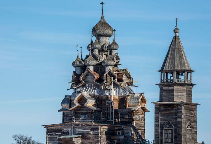 Η Ομορφιά της Καρελίας: Το Μουσείο Κιζί είναι ένα από τα Μεγαλύτερα Υπαίθρια Μουσεία στη Ρωσία, μοναδικό στο είδος του και αποτελεί σημαντικό μέρος της Ρωσικής Πολιτιστικής κληρονομιάς. Είναι, επίσης, μνημείο Παγκόσμιας Πολιτιστικής και Φυσικής κληρονομιάς αναγνωρισμένο από την UNESCO. Краса Карелии: Заповедник в Кижах - один из крупнейших музеев России под открытым небом. Он является частью культурного наследия страны, а также признан UNESCO памятником, имеющим мировое значение. #unesco…