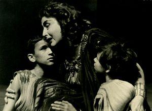 Το e - περιοδικό μας: Κατίνα Παξινού, η μεγάλη κυρία του Εθνικού Θεάτρου