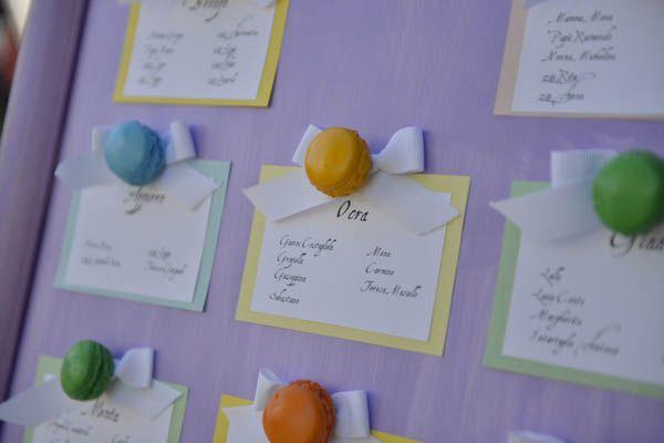 Un bouquet di spille e macarons per un matrimonio colorato: Andrea e Alberto