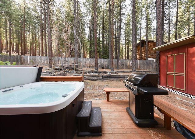 South Lake Tahoe Vacation Rentals - California Accommodations - This cute, newly remodeled 2BR alpine cottage has a hot tub and is ideally located on a quiet lane, minutes from skiing, shopping, restaurants, hiking, and watersports on Lake Tahoe.. This cute, newly remodeled 2BR alpine cottage has a hot tub and is ideally located on a quiet lane, minutes from skiing, shopping, restaurants, hiking, and watersports on Lake Tahoe.