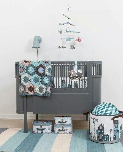 Babykamer jongens grijs met wit en blauw