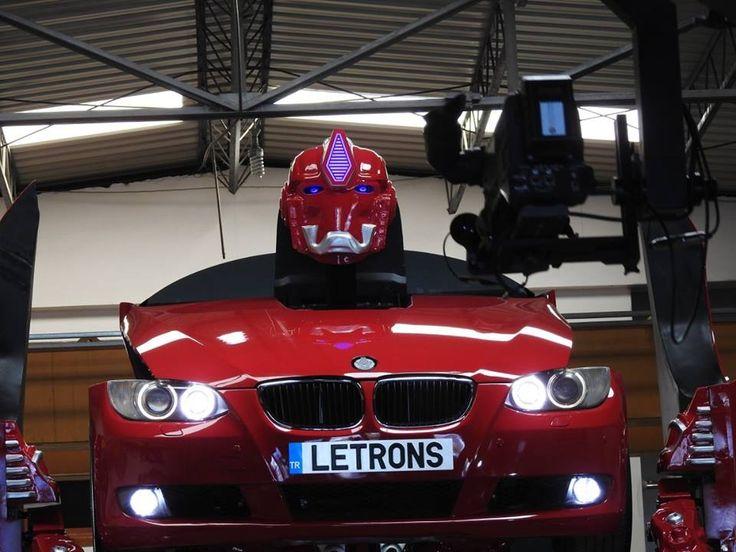 Türk Mühendislerin Tasarladığı Gerçek Bir BMW Transformers - http://www.aylakkarga.com/turk-muhendislerin-tasarladigi-gercek-bir-bmw-transformers/