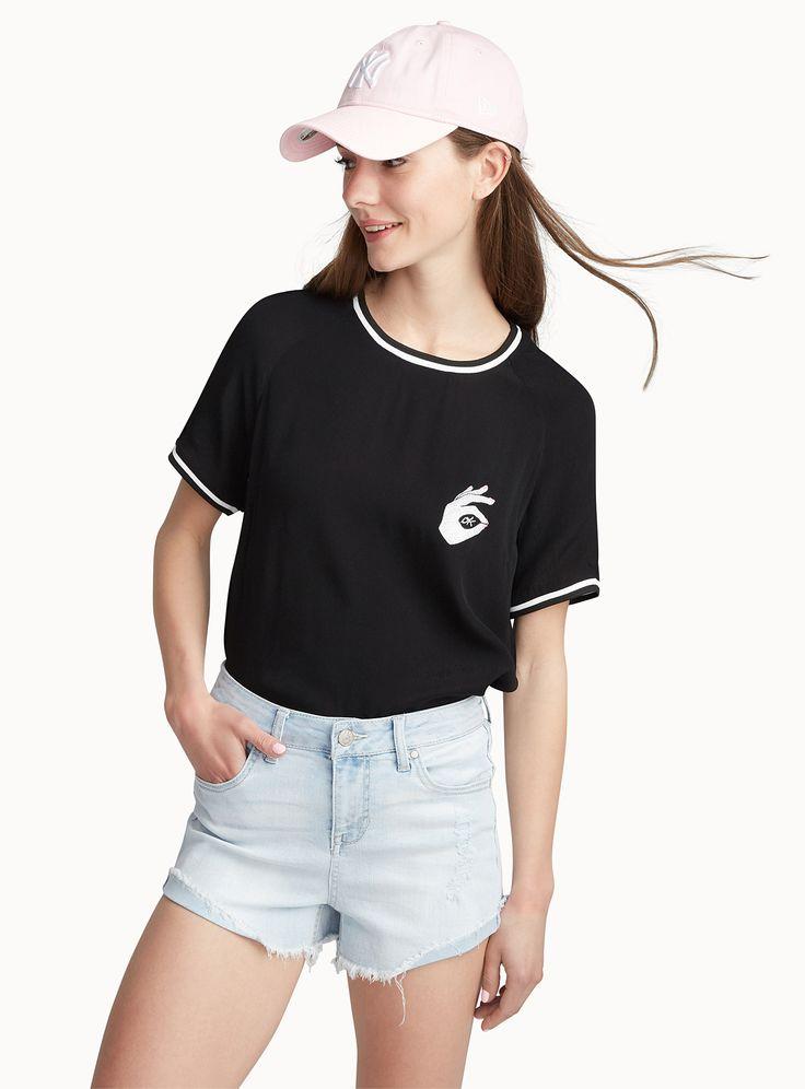 Shop Stylish Women's Shorts Online in Canada | Simons