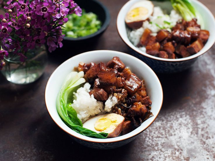 Geschmorter Schweinebauch mit Reis nach taiwanesischer Art